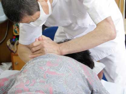 「患者さんのため」をとことん追求し、完全予約制・年中無休で診療を行っております。